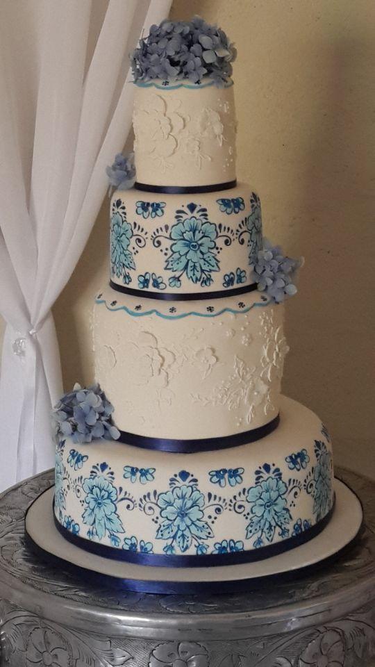 Bolo Azul e Branco para casamento