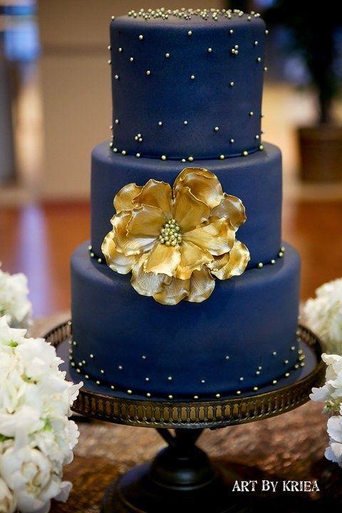 Bolo de casamento azul marinho