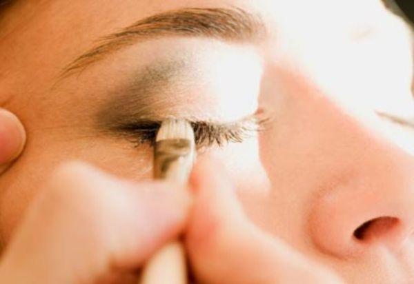 Maquiagem para Casamento com olhos esfumaçados